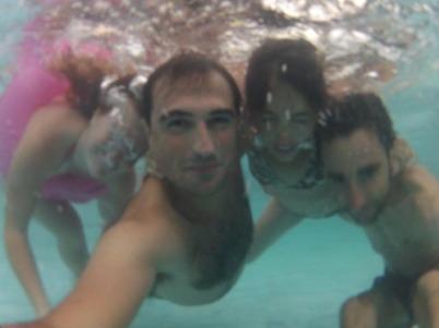 La fine équipe, sous l'eau.