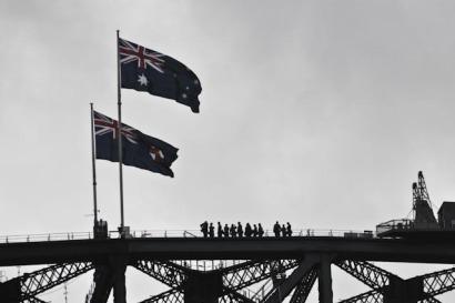 Des gens au sommet du Harbour Bridge