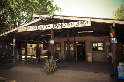 Lazy Lizard, ça c'est de la roadhouse (station service)