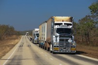 La Stuart Highway et ses road trains